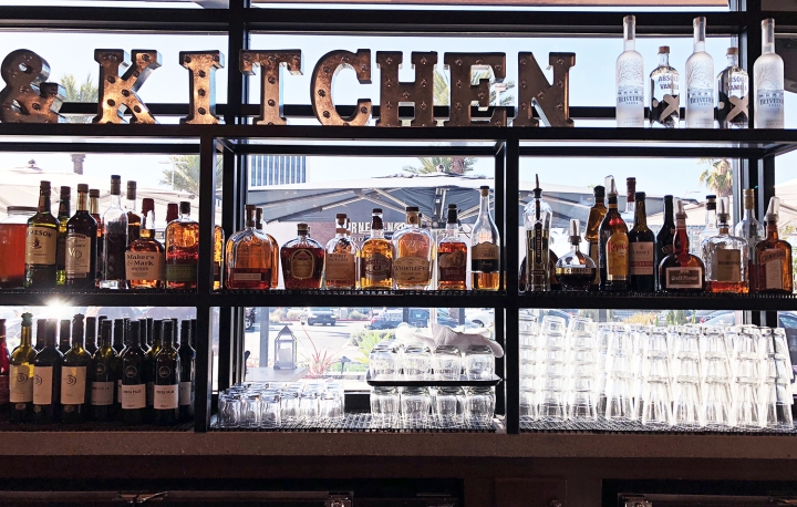BRIO Coastal Bar & Kitchen (西海岸インテリアが可愛いレストラン)